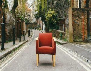 פינוי רהיטים ישנים לתרומה
