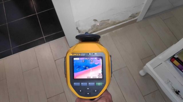 מכשיר לגילוי רטיבות בקיר